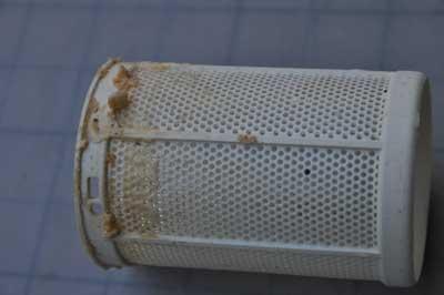 Bulaşık makinesinin filtresi